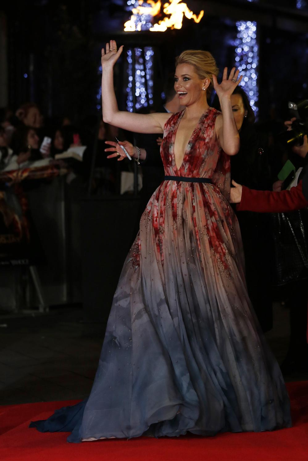 Платья актрис фильма «Голодные игры: Сойка пересмешница» на красной дорожке