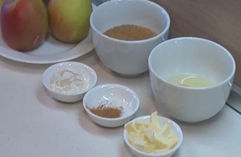 Рецепт яблочного пирога с корицей и маргарином